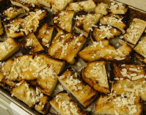 grilled bread croutons for vegetable broth