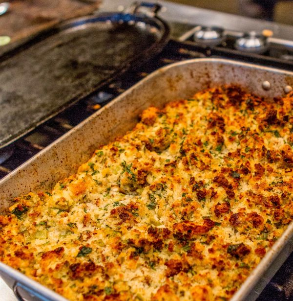 how to make southern cornbread dressing